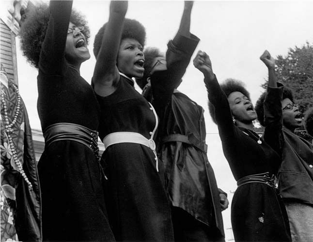 Black Panthers from Sacramento, Free Huey Rally, Bobby Hutton Memorial Park in Oakland, CA. Foto: Pirkle Jones y Ruth-Marion Baruch