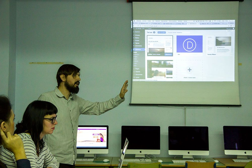 "Workshop ""MASTERCLASS WORDPRESS + DIVI"". IMPARTIDO POR FRANCISCO RODRÍGUEZ (CROMATIU)"
